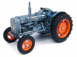 "Fordson Super Major ""Launch editie UH4882 Schaal 1:32"