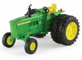 John Deere 4020. Big farm ERTL 46292. Scale 1:16
