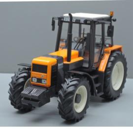Renault 120 54 TZ tractor. REP 122. Replicagri. Schaal 1:32