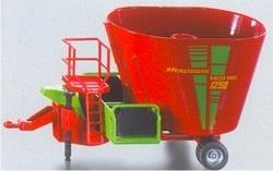 Feed mixer wagon Si2450 Scale 1:32