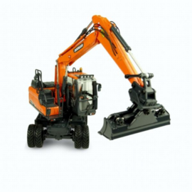 Doosan DW160W mobile crane UH8134 Scale 1:50