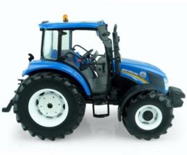NH T4.65 tractor UH5257  Met frontgewicht. Schaal 1:32