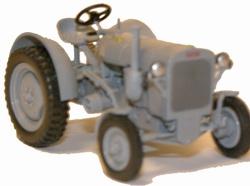 FAHR F22 tractor in grijs Schaal 1:43
