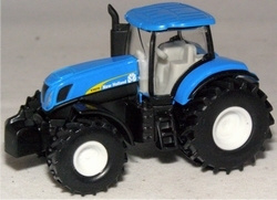 New Holland T7070 Schaal 1:87