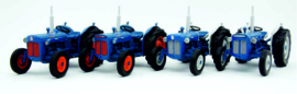 Fordson Dexta en Super Dexta in set van 4. LEG002/3/4/5 1:32.