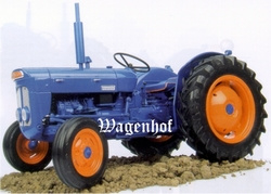 Fordson Super Dexta (1962) Universal Hobbies Scale 1:16