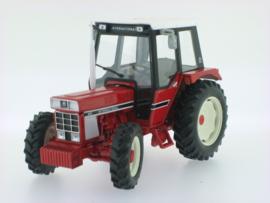 IH 845S tractor met Comfort cabine  REPO72 Replicagri Schaal 1:32