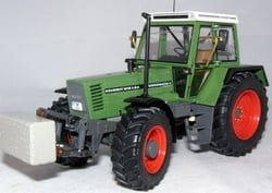 Fendt Favorit 615 LSA 1/32 Weise-Toys Scale 1:32