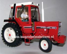 IH 845XL 2WD tractor.  REPACA2012 Schaal 1:32