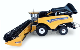 NH CR10.90 wheeled combine harvester UH4868. Scale 1:32