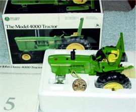 John Deere Model 4000 precision model no 5 ERTL5684 1:16.