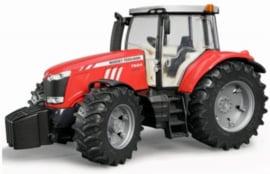Massey Ferguson 7624 tractor BRU03046 Schaal 1:16