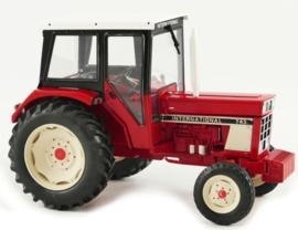 IH743 tractor. REP195 Replicagri. Scale 1:32