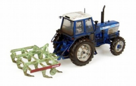 Ford TW25 met cultivator muddy. UH7118.  UH  Schaal 1:32