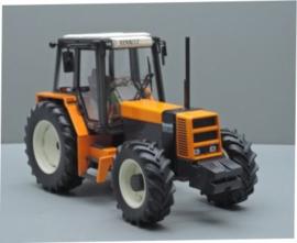 Renault 133.14TX Tractor. Replicagri REP149 Schaal 1:32