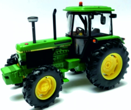 John Deere 3650 tractor BR42904 Britains Scale 1:32
