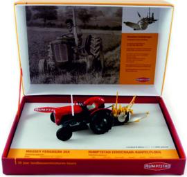 Massey Ferguson 35X met Rumpstad ploeg 30 jaar landbouwminiaturenbeurs UH5357.