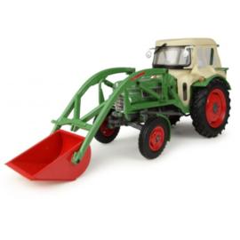 Fendt Farmer 2 met Fritzmeier cab en voorlader. UH4946 Schaal 1:32