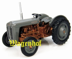 Ferguson FE35 Gold Belly 1956 # UH6071 Scale 1:43