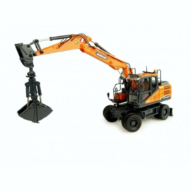 Doosan DW160W mobile crane UH8134 Scale 1:50
