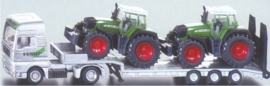 Low loader with Fendt tractors Si1840 Scale 1:87
