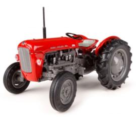 MF 35 .4 cilinder tractor UH4989 Universal Hobbies  Schaal 1:32