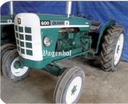 Oliver 600 tractor UH4008 .  Universal Hobbies Schaal 1:16