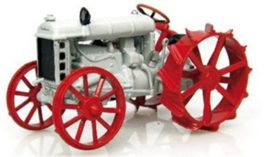 Fordson F on iron (1917) Scale 1:43
