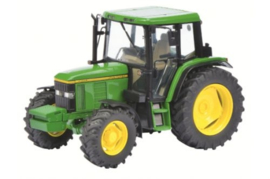 John Deere 6400 tractor Schuco. SC7731. Schaal 1:32