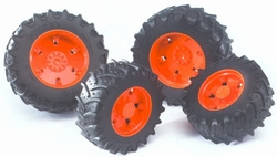 Red wheels for tractors from the 03000 series Bruder BRU03303 Scale 1:16