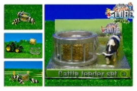 Feeding ring with 1 hay bale and 1 cow. - KG571961 Kids Globe Scale 1:32