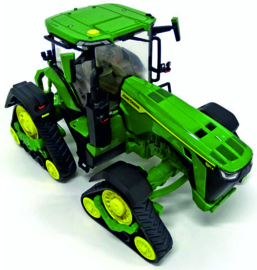 John Deere 8RX 410 tractor op brede spoorbreedte. ERTL45707 1:32.