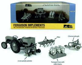 Ferguson SET van vier werktuigen UH6247 1:32.