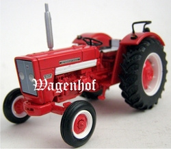 International Harverster 624 tractor Schaal 1:43
