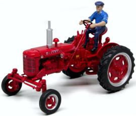 Farmall Super FC tractor. Replicagr . REP 174 Schaal 1:32