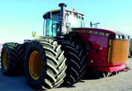 VERSATILE 570 articulated tractor on twin wheels ERTL16383 1:32.