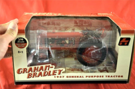 GRAHAM-BRADLEY 1937 GP TRACTOR. DIE CAST PROMOTIONS BY ERTL. DCP40028 schaal 1:16