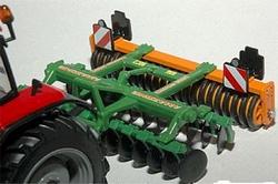AMAZONE Catros 3001 disc harrow with packer roller. SIiku Scale 1:32