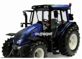 Valtra N 103 metallic blauw  UH4210   Universal hobbies Schaal 1:32