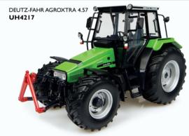 Deutz-Fahr Agro extra 4.57 tractor met fronthef UH4217 Schaal 1:32