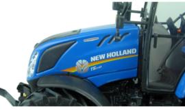 NH T5.110 tractor  UH5264.  Met fronthef Schaal 1:32