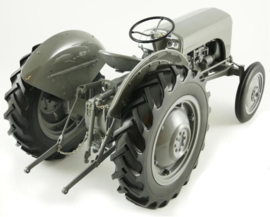 Ferguson TE20 tractor UHR001 Resin model Scale 1: 8