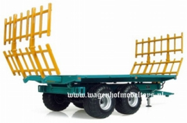 Rolland BH 100 flat wagon with straw fences UH4124 from UH Scale 1:32