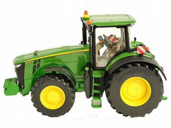 JD 8400R Tractor. BR43174A1 Schaal 1:32