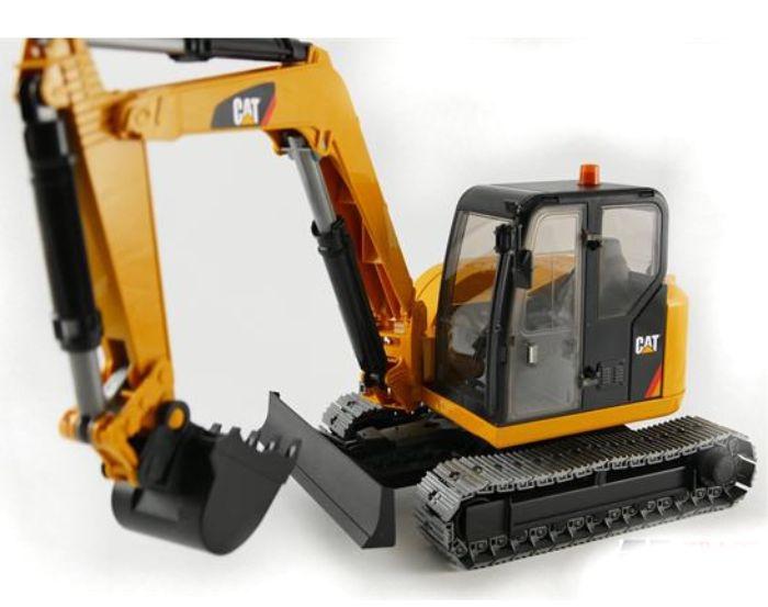 Caterpillar Midi crawler crane Bruder BRU02456 Scale 1:16