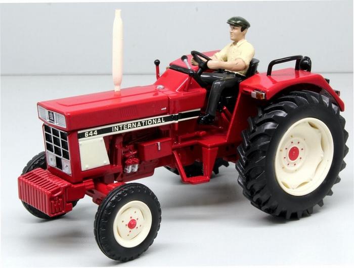 IH 644 2WD tractor. REP159. Replicagri (2017). Schaal 1:32