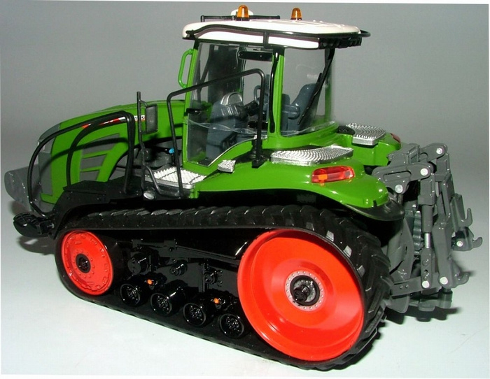 Fendt 1165 MT tracked tractor USK10635 Scale 1:32
