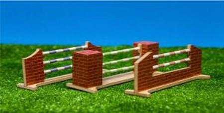 Hindernis set van 3 voor springpaarden KG610119 Kids Globe Schaal 1:32