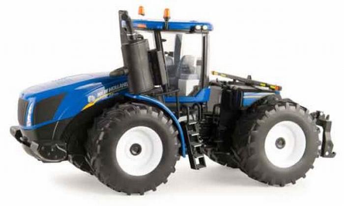 New Holland T9.565 FWD Prestige tractor ERTL 13858 Schaal 1:32