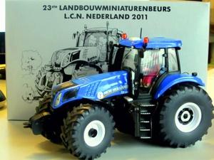 New Holland T8.300 Siku (3000 stuks) Si LCN2011 Schaal 1:32